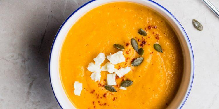 fotografia zupa w misce